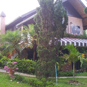 Code KRB8272 A villa…