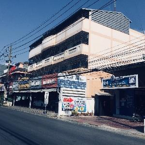 Code KRB9659  Shophouse near Wat Phra Sing